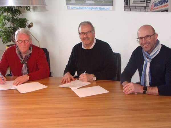 Bestuur FCB ondertekent samenwerkingsovereenkomst met ONEkeepers.nl