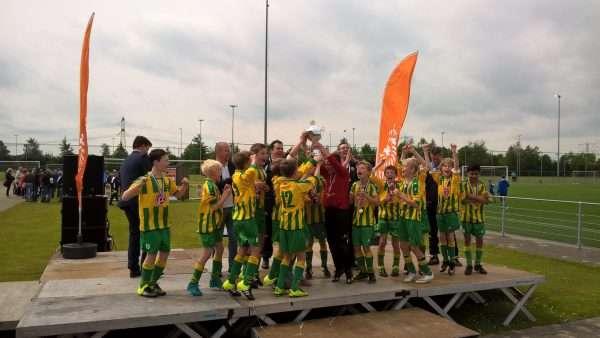 FC Binnenmaas D6 pakt de dubbel