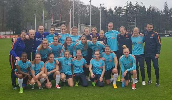 FCB voor 1 dag hofleverancier van het Nederlands Dames Elftal