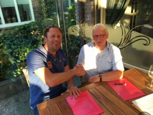 Trainer Fop Gouman ondertekend contractverlenging